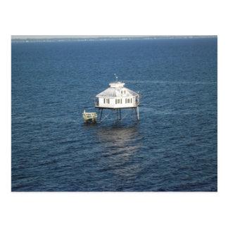 Faro medio de la bahía postal