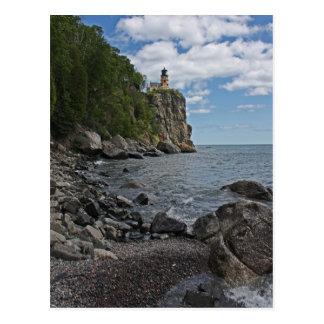 Faro partido de la roca tarjetas postales