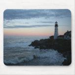¡Faro, puesta del sol gloriosa! Tapetes De Raton
