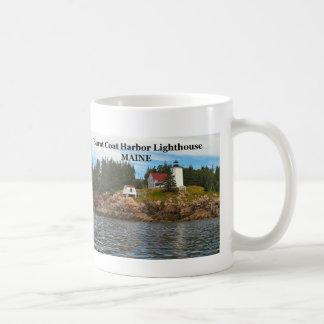 Faro quemado del puerto de la capa, taza de Maine