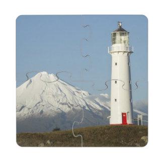 Faro y Mt Taranaki/Mt de Egmont del cabo Posavasos De Puzzle