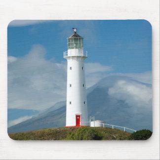 Faro y Mt Taranaki/Mt de Egmont del cabo Tapetes De Raton