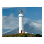 Faro y Mt Taranaki/Mt de Egmont del cabo Tarjeta Postal