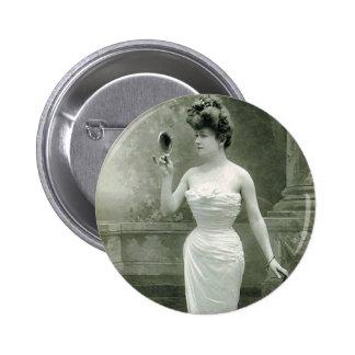 Fashionable 1900 button