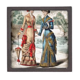 FASHIONABLE LADIES VINTAGE 25 JEWELRY BOX