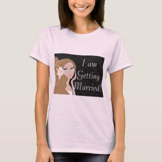 fashionista maid of honor bride bridesmaid T-Shirt