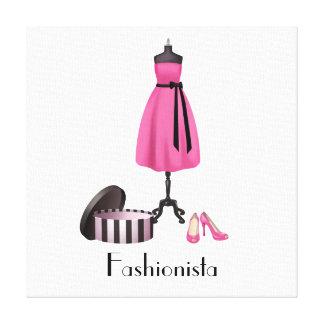 Fashionista - vestido y zapatos rosados en lona lona envuelta para galerias