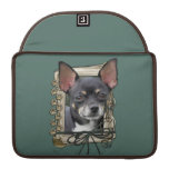 Fathers Day - Stone Paws - Chihuahua - Isabella Sleeve For MacBook Pro