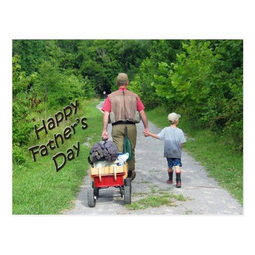 FathersDay feliz/papá y hijo que vuelven de la pes Tarjeta Postal