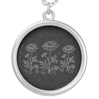 Faux engraved flowers Necklace