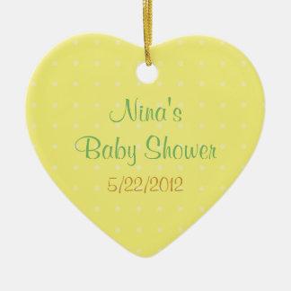 Favor amarillo de la fiesta de bienvenida al bebé adorno de cerámica en forma de corazón