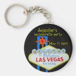 Favor de fiesta de Las Vegas Bachelorette Llavero Redondo Tipo Pin