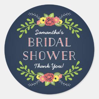 Favor el | nupcial floral bonito de la ducha pegatina redonda