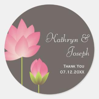 Favor gris moderno rosado del boda de las flores d etiqueta