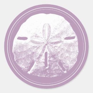 Favor violeta con clase del boda de playa del pegatina redonda