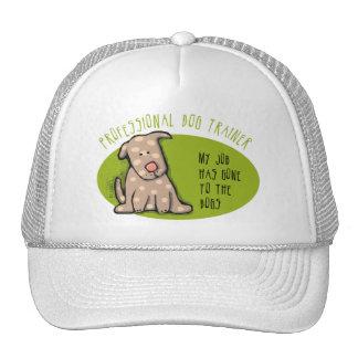 Favorable adiestrador de perros gorras de camionero