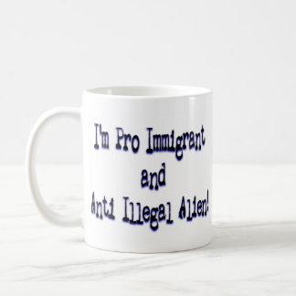 Favorable inmigrante/extranjero Anti-Ilegal Taza