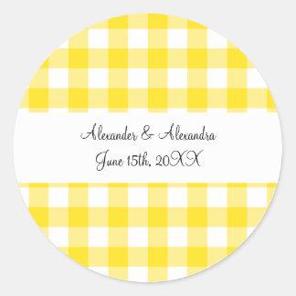Favores amarillos del boda del modelo de la guinga etiquetas redondas
