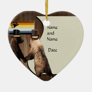 Favores gay del boda del oso o del ornamento de la adorno navideño de cerámica en forma de corazón