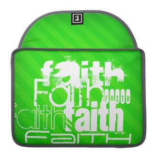 Fe; Rayas verdes de neón Fundas Macbook Pro