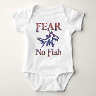 FEAR NO FISH TEE SHIRT