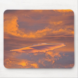 FEATHER CLOUD MOUSE PAD