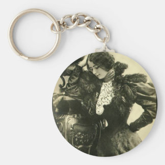 Feathers Lace and a Big Vase Keychain