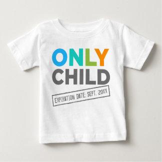Fecha de vencimiento del hijo único [su fecha] playera de bebé