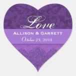 Fecha púrpura F200 de novia y del novio del amor Pegatina En Forma De Corazón