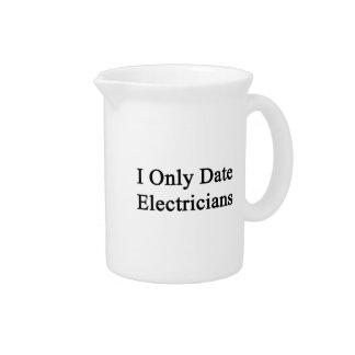 Fecho solamente a electricistas jarrones