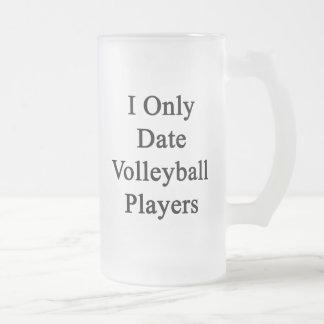 Fecho solamente a jugadores de voleibol taza cristal mate