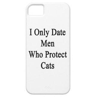 Fecho solamente a los hombres que protegen gatos iPhone 5 Case-Mate cárcasa