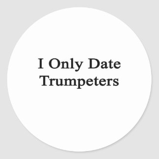 Fecho solamente a trompetistas pegatinas redondas