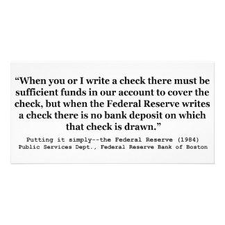 Federal Reserve crea el dinero que lo pone simplem Tarjeta Fotografica Personalizada