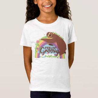 Feelin groovy funny sloth retro hippie rainbow T-Shirt