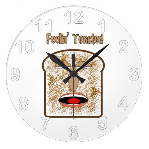 Feelin tostó la tostada del dibujo animado reloj