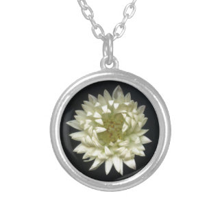 Feeling Flower Round Pendant Necklace