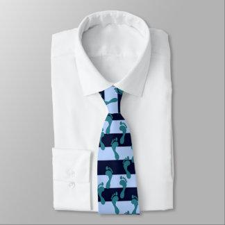 feetyui, neck tie