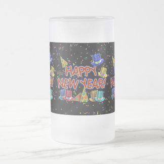 Felices Año Nuevo de gorras y confeti del texto Taza De Cristal