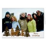 Felices árboles de navidad y perro tarjetas