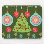 Felices copos de nieve del árbol de navidad del tapete de raton