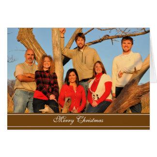 Felices Navidad Brown con el esquema blanco Felicitacion