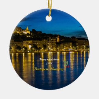 Felices Navidad de Budapest, Hungría Adorno Navideño Redondo De Cerámica
