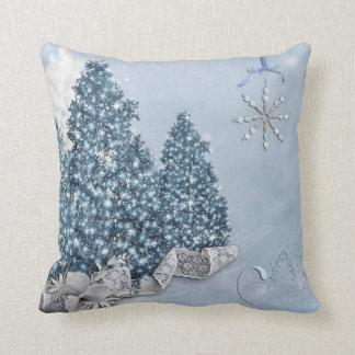 Felices Navidad de la bola azul y blanca de la Cojín