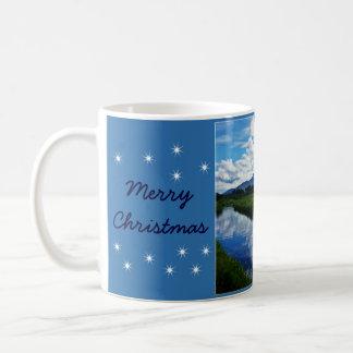 Felices Navidad - río de Shimna Taza Básica Blanca
