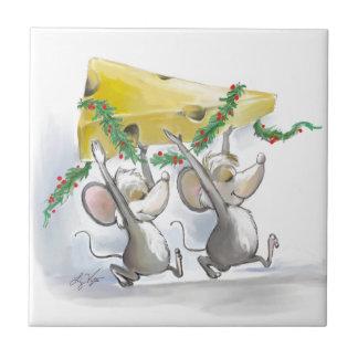 Felices ratones Mic y teja del día de fiesta del m