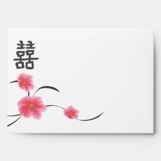 Felicidad del doble de la flor de cerezo del sobre
