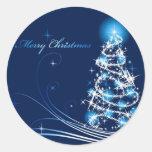 Feliz árbol de navidad etiquetas redondas