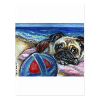 Feliz barro amasado en la playa postal