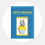 Feliz cumpleaños 50.o de la magdalena etiquetas redondas
